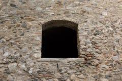 Das leere Schlossfenster lizenzfreie stockfotos