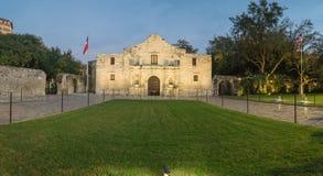 Das legendäre Alamo-Auftragfort und -museum in San Antonio Lizenzfreie Stockfotografie