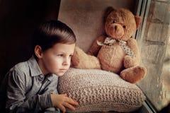 Das Leid der Kinder Stockbild
