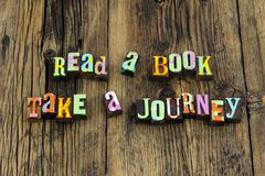 Das Lesebuch-Reisegeschichten-Zeitlernen genießen Literatur stockfoto