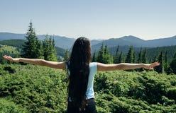 Das Mädchen auf den Berg Stockbilder