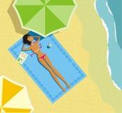 Das Mädchen auf einem Strand stock abbildung