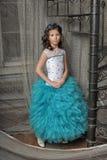 Das Mädchen in einem schönen Kleid Lizenzfreie Stockfotografie