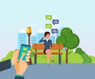 Das Mädchen, das im Park stillsteht, stehen telefonisch, durch Boten in Verbindung lizenzfreie abbildung