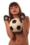 Das Mädchen mit einem footbal Lizenzfreie Stockfotografie