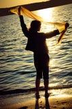 Das Mädchen mit einem Schal Stockbilder