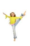 Das Mädchen nimmt an Aerobics teil Stockbilder