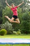 Das Mädchen-Springen Lizenzfreie Stockfotografie