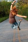 Das Mädchen-Springen Lizenzfreie Stockfotos