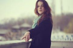 Das Mädchen und das Meer Lizenzfreie Stockfotografie