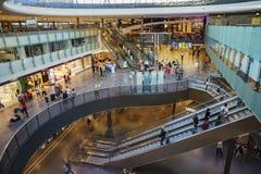 Das Mall innerhalb der Zurch-Bahnstation Stockfotos