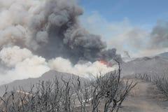 Das Maschinenhaus-Feuer | 2013 | enorme Plume Of Smoke  Lizenzfreie Stockfotos