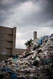 Das Material, das Sie heute kaufen, bilden Abfall morgen Stockfoto