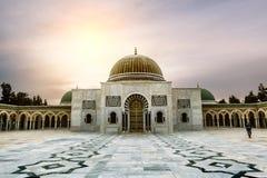Das Mausoleum von Habib Bourguiba in Monastir bei Sonnenuntergang Lizenzfreie Stockfotografie