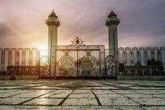 Das Mausoleum von Habib Bourguiba in Monastir bei Sonnenuntergang Lizenzfreies Stockfoto