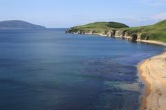 Das Meer, Berge, der Himmel - aller für guten Rest Stockbild