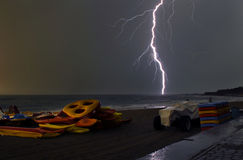 Das Meer in einem Gewitter Stockbild