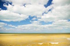 Das Meer gleich nach dem Sturm Lizenzfreie Stockbilder