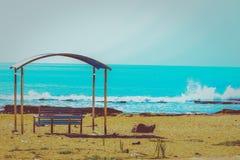 Das Meer, sobald es seinen Bann wirft, hält ein in seinem Netz des Wunders für immer stockbilder