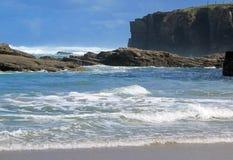 Das Meer und der Strand Lizenzfreie Stockfotos