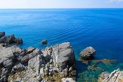 Das Meer und die Küstenlinie, Budva, Montenegro, adriatisches Meer, Medi Lizenzfreie Stockfotografie