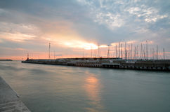 Das Meer vom Pier Lizenzfreie Stockfotos