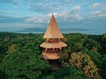 Das Menjangan, Bali gesehen von oben genanntem mit einer Brummenkamera lizenzfreie stockbilder
