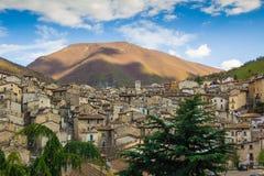 Das mittelalterliche Dorf von Scanno stockfotos