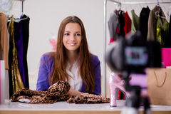 Das Mode Blogger-Aufnahmevideo für Blog Stockbilder