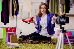 Das Mode Blogger-Aufnahmevideo für Blog Lizenzfreie Stockbilder