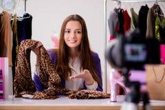 Das Mode Blogger-Aufnahmevideo für Blog Lizenzfreies Stockfoto