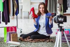 Das Mode Blogger-Aufnahmevideo für Blog Lizenzfreie Stockfotos