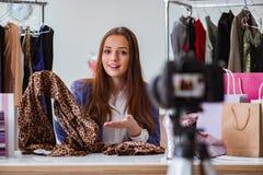 Das Mode Blogger-Aufnahmevideo für Blog Lizenzfreies Stockbild