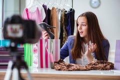 Das Mode Blogger-Aufnahmevideo für Blog Stockfoto