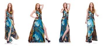 Das Modell im hübschen Kleid lokalisiert auf Weiß stockfoto