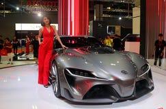 Das Modell, das mit Konzeptauto Toyotas FT-1 aufgeworfen wurde, produzierte durch Toyota an Toyota-Stand während lizenzfreie stockfotografie