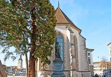 Das Monument an der Kirche Lizenzfreies Stockbild