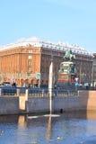 Das Monument zu Nikolaus I. und zum Hotel Astoria Stockfotografie