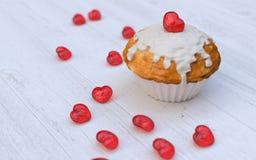 Das Muffin des Valentinsgrußes Lizenzfreie Stockfotos