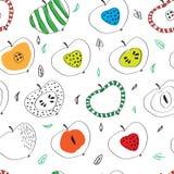 Das Muster von bunten Äpfeln in der skandinavischen Art Stockfotografie