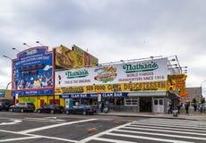 Das Nathan-` s ursprüngliche Restaurant bei Coney Island, Stockfotografie