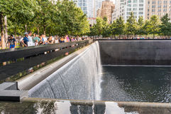 Das nationale 9/11 Denkmal am 11. September am World Trade Center-Bodennullpunktstandort Stockfoto