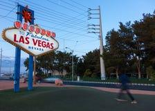 Das Neonwillkommen zu fabelhaftem Las Vegas-Zeichen lizenzfreie stockbilder