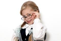 Das nette Schulmädchen in den Gläsern stockfotografie