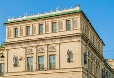 Das neue Einsiedlereigebäude in St Petersburg, Russland - Nahaufnahme von Fassadendetails Lizenzfreie Stockbilder