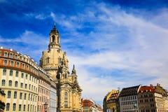Das Neumarkt-Quadrat und die Frauenkirche-Kirche unserer Dame ist lutherische Kirche von Sachsen am Sommer, alte Stadt in Dresden Lizenzfreie Stockfotografie