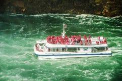 Das Niagara Falls Hornblower Lizenzfreie Stockfotos