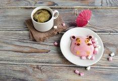 Das Nilpferd wird von der Eiscreme und dem Kaffee gemacht Lizenzfreie Stockbilder