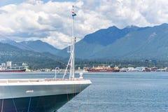 Das Noordam-Schiff angelegt an Kanada-Platz in Vancouver-Hafen lizenzfreie stockfotos