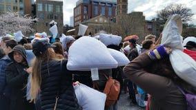 Das 2016 NYC-Kissenschlacht-Tagesteil 2 67 Lizenzfreie Stockfotos